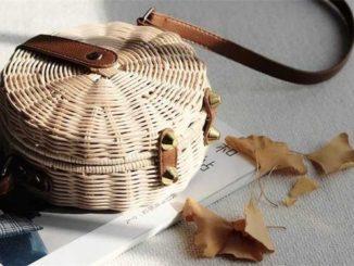 Słomiane torebki idealne na lato
