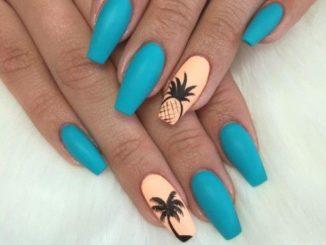Niebieskie paznokcie – inspiracje