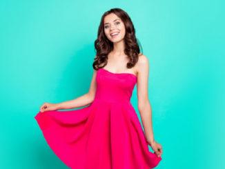Sukienka rozkloszowana – dla kogo taki model?