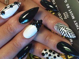 Biało czarne paznokcie – krok po kroku