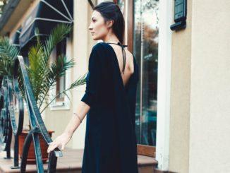 Jaki biustonosz do sukienki bez pleców?