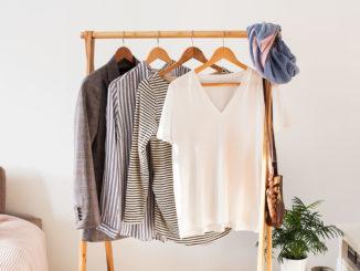 Minimalizm w szafie, czyli jak wprowadzić porządek do garderoby