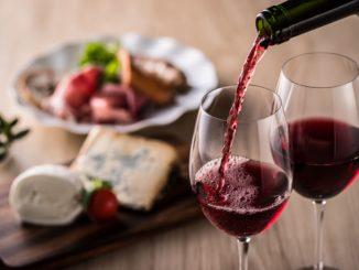 Jak dopasować wino do potraw? 6 żelaznych zasad!