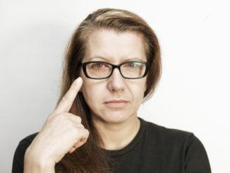 Alergiczne zapalenie spojówek – objawy, leczenie