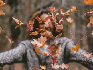 Ubrania dla dorosłych. Jak uzupełnić garderobę na jesień?