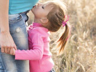 Poznaj propozycje ciążowej odzieży dla młodej mamy