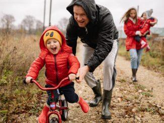 Z niezbędnika rodzica – kompresowy żel rozgrzewający i chłodzący dla Twojego malucha