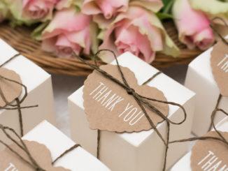 Chcesz podziękować gościom weselnym za przybycie? Zadbaj o słodkie upominki!
