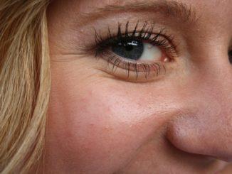 Metody likwidacji zmarszczek pod oczami