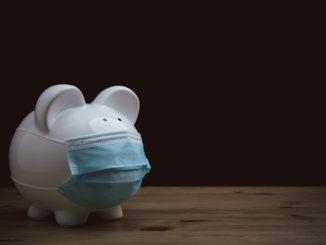 Jak oszczędzać pieniądze w dobie pandemii?