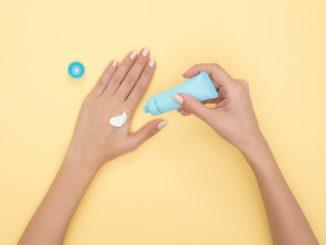 Nowy sposób na zadbanie o skórę – skorzystaj ze świeżych kosmetyków prosto z lodówki