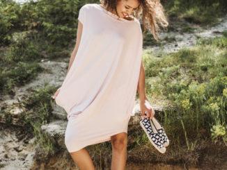 Tuniki z wiskozy – doskonała alternatywa