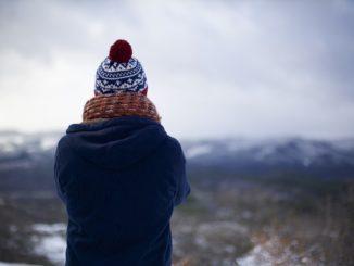 Kurtki damskie czy płaszcze zimowe – co lepiej sprawdzi się na zimę?