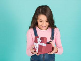 Trzy pomysły na prezenty, które pozytywnie wpłyną na rozwój dziecka