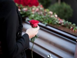 Pogrzeb – sennik. Co oznacza pogrzeb we śnie?
