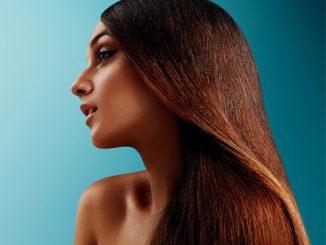 Jak stosować olej rycynowy na włosy?