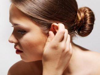 Co pomaga na przewiane ucho?
