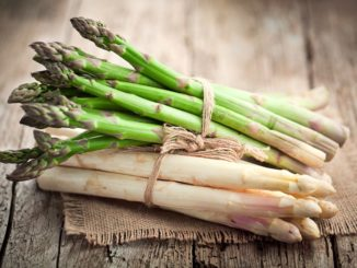 Jak obrać i jeść szparagi?