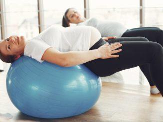 Ból pleców w ciąży – kiedy się pojawia, jakie są jego przyczyny i jak go zwalczać?