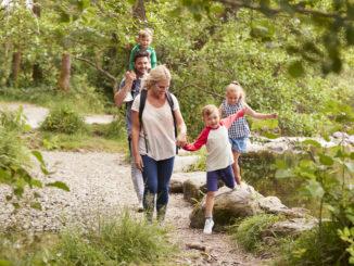 Jak przygotować się na długi spacer z dzieckiem?