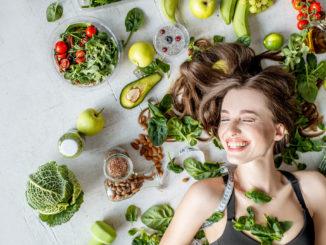 Co jeść, by jak najdłużej cieszyć się młodym wyglądem skóry?
