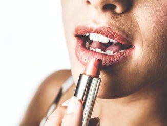 Dlaczego warto korzystać z kosmetyków do pielęgnacji ust?