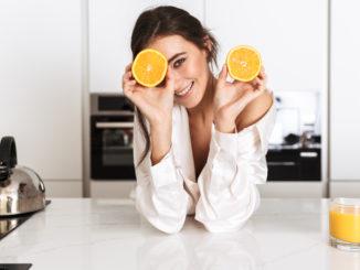 Soki owocowe a karmienie piersią