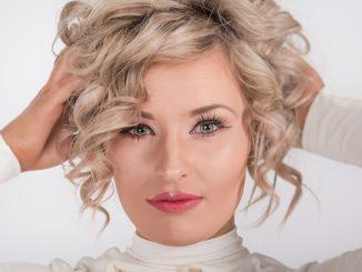 5 zalet korzystania z aplikacji mobilnych do umawiania wizyt u fryzjera i kosmetyczki