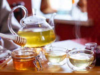 Po czym poznać dobry miód pszczeli? Najważniejsze wskazówki