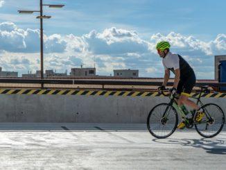 Odzież, która zapewni najlepsze warunki do jazdy na rowerze