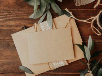 Zaproszenia ślubne ręcznie robione – czy warto je wybrać?